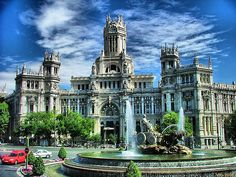 Plaza Cibeles (Madrid / Spain)