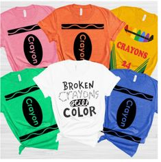 Easy and no fuss Crayon costume tees are almost too easy, clever and cute. Dress up with the family or friends for a Halloween party Diy Crayons, Broken Crayons, Color Crayons, Melted Crayons, Teacher Costumes, Group Costumes, Adult Costumes, Crayon Costume, Halloween Party