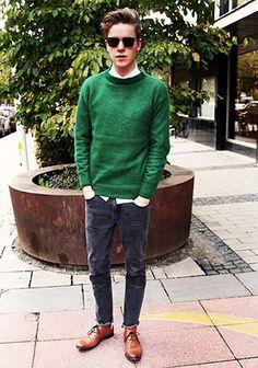 緑色セーター×ジーンズの着こなし | Italy Web