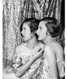 Cecil Beaton's sisters, Baba and Nancy Beaton. Photo by Cecil Beaton, Photography Career, Vintage Photography, Fashion Photography, Famous Photographers, Portrait Photographers, Style Année 20, Fancy Dress Ball, The Last Summer, English Fashion