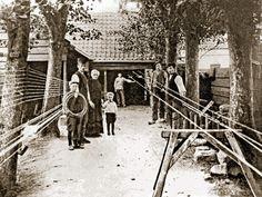 Lijntrekkers-lopend- en lijndraaiers-aan het wiel- aan het werk op de lijnbaan