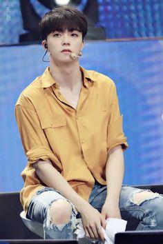 Chinese Boy, Kpop Boy, Pop Group, Monsta X, Shinee, Chen, My Sunshine, Idol, Bigbang
