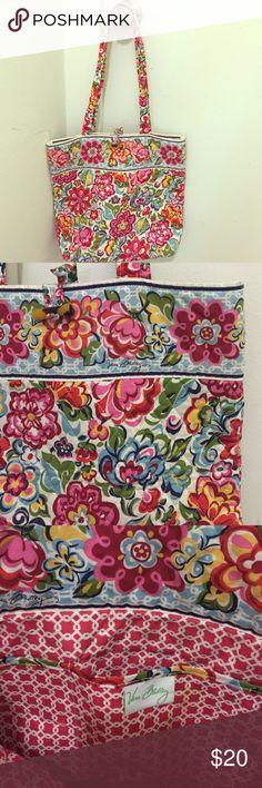 Floral print Vera Bradley tote bag Beautiful floral print Vera Bradley medium sized tote bag. Bags Totes