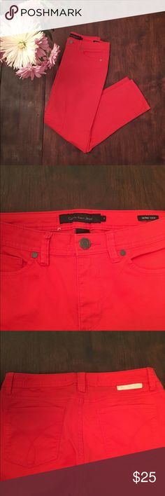 👖Calvin Klein Salmon Skinny Ankle Jeans These Calvin Klein jeans are crazy soft. The Skinny Ankle cut is perfect for the spring and summer months. Cotton/elastane blend. 20105 Calvin Klein Jeans Skinny