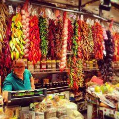 «#tropjolie #roadtrip #europeantrip #barcelona #spain #espana #mediterraneanlife #voyagevoyage #instafood #instagood #ig_food #eatlife #colors #colorful…»