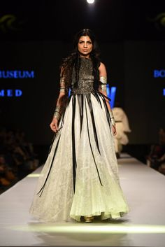 Body Focus Museum Collection at Telenor Fashion Pakistan Week 2015. (TFPW15)