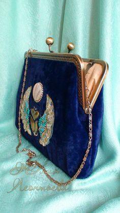 Gallery.ru / бархатный клатч, вышивка с египетским сюжетом - сумки, косметички, кошельки - lyvik