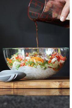 Veggie Recipes, Asian Recipes, Whole Food Recipes, Healthy Recipes, Thai Cooking, Healthy Cooking, Cooking Recipes, Salads To Go, Healthy Salads