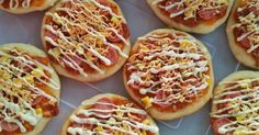 Bunda Gajah mengirim Recook resep Pizza anti gagal a-la Indi Pizza Recipes, Dessert Recipes, Mini Pizza, Resep Cake, Western Food, Bread Cake, Cafe Food, Healthy Snacks For Kids, Food And Drink