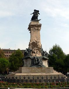 Zaragoza´s Siege monument, Zaragoza, Spain. Monumento a los Sitios de Zaragoza, Zaragoza, España.