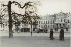 In der gesamten Innenstadt zeugten in den 1950er Jahren noch viele Ruinen von den Luftangriffen während des Krieges. Das Alte Schloss beispielsweise war schwer beschädigt worden, hier ein Bild aus dem Jahr 1952.  Foto: VZZZ-Chronist Walter Greiß