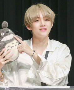 Taehyung DNA Fansign