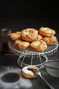 A pinner wrote: Hungarian doughnut - my Mother's recipe Hungarian Desserts, Hungarian Cuisine, Hungarian Food, Hungarian Recipes, Oven Recipes, Donut Recipes, Pastry Recipes, Cooking Recipes, Polish Food
