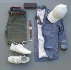 Mens Style Discover stylish man Denim Chambray Button Down - With Mens Green Shorts - Outfit Grid Mode Outfits, Short Outfits, Casual Outfits, Men Casual, Smart Casual, Casual Shorts, Casual Attire, Summer Outfits, Casual Menswear