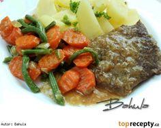 Dušené hovězí s mrkví a fazolkami Pot Roast, Steak, Beef, Ethnic Recipes, Korn, Carne Asada, Meat, Roast Beef, Steaks