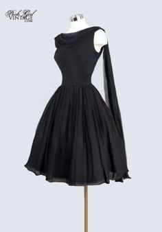 Reminds me of something Jackie O & Audrey Hepburn would have worn.