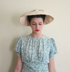 Vintage 1940s Wide Brimmed Silk Hat in Off White / 40s Cocktail Hat Original Rounder by Meadowbrook by BasyaBerkman on Etsy