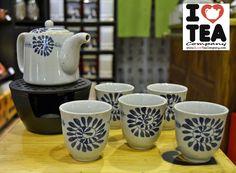 Set pintado a mano de tetera (500 ml. aprox.) + filtro para tetera + 5 vasos. 18 € - Referencia SET003