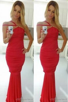 Spoločenské šaty vhodné na príležitosť.92% polyamid, 8% elastá