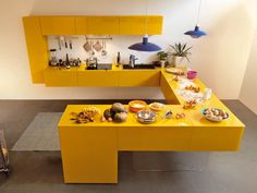 Modular fitted kitchen without handles 36E8 by Lago | #Design Daniele Lago (2008) #yellow #kitchen