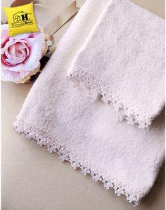 Coppia di asciugamani Shabby chic Blanc Mariclo Perla Basic Collection Decorative Towels, Linens And Lace, Crochet Motif, Shabby Chic, Couture, Bathroom, Cotton, Face Towel, Bath Linens