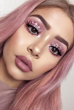 When done professionally eye lash extensions give you long lushes, beautiful lashes that look natural. Makeup On Fleek, Flawless Makeup, Gorgeous Makeup, Makeup Inspo, Makeup Inspiration, Makeup Goals, Make Up Looks, Look At My, Pink Makeup