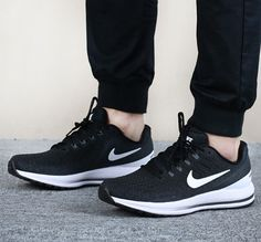 detailed look 3fa4c 88f1a Nike AIR ZOOM VOMERO 13 Men s Running Shoes 922908-001 Black White sz 10