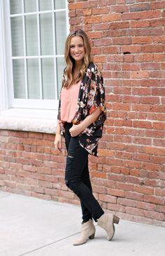 Blush And Florals - Lex What Wear #FashionBlogger #StyleBlogger #NashvilleStyle #NashvilleFashion #NashvilleBlogger #OOTD #OutfitIdeas #StyleIdeas