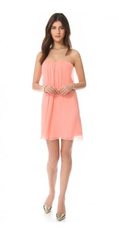 CENTER DRAPE STRAPLESS DRESS $113.04 SPECIAL $48.03 YOU SAVE: 58% Flexible boning provides soft structure on the strapless bodice of a draped chiffon dress from alice + olivia. Crisscross elastic and mesh bands secure the open back, which fastens with hook-and-eye closures and an exposed zip. Lined.
