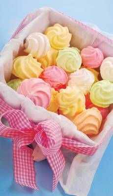 Chocolate y donuts Meringue Cookies, Cake Cookies, Cupcake Cakes, Meringue Kisses, Pavlova, Low Carp, Cookie Recipes, Dessert Recipes, Cakes And More