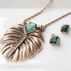 Statement Necklace Longest pendant chain with fan like design. Fresh and finicky for this season and beyond. *(3pc) Necklace available in separate listing. Ocean Jewelers Jewelry