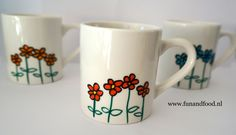 bekers bloemen web Cup Art, Edible Gifts, Posca, Mothers Day Crafts, Pottery Painting, Mug Designs, Decoupage, Dots, Diy Crafts