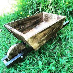 Cool Pallet Wheelbarrow - 125 Awesome DIY Pallet Furniture Ideas | 101 Pallet Ideas - Part 3