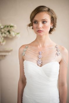 Add some wow factor to your wedding attire with this silver shoulder necklace with crystal and rhinestone brooches from CamillaChristine via etsy.#shouldernecklaces #weddingjewelry