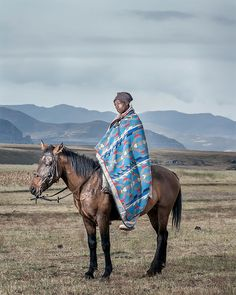 Thom Pierce captures the horsemen in the Kingdom of Lesotho by blending fine art and documentary photography. Contemporary African Art, Documentary Photographers, Unusual Art, Grid Design, Photo Series, Photo Art, Portrait Photography, Horses, Fine Art