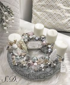 Stunning Christmas Sweater Wreath Advent Candles Decoration Ideas - Page 54 of 55 - Chic Hostess Christmas Advent Wreath, Xmas Wreaths, Christmas Table Decorations, Noel Christmas, Christmas Design, Christmas Crafts, Silver Christmas, Christmas Candles, Mery Chrismas