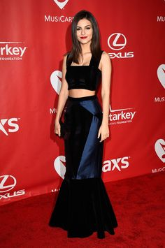 Victoria Justice.. Paper London gown, Aldo heels, and Emporio Armani clutch..