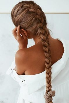 Diagonal French Braid - Loose French Braid Tutorial and Creative Hairstyles - The Trending Hairstyle Sporty Hairstyles, Pretty Hairstyles, Braided Hairstyles, Wedding Hairstyles, Curly Hairstyle, Hairstyle Ideas, Hair Ideas, Types Of Braids, Braids For Short Hair