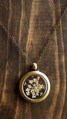 Pressed flower locket , Queen Annes lace , floating locket
