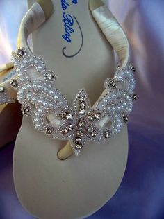 Items similar to White Flip Flops or Ivory Flip Flops with Crystals Pearls and Beading on Etsy Flip Flops Diy, Flip Flop Art, Bling Flip Flops, Wedding Flip Flops, White Flip Flops, Beaded Shoes, Beaded Sandals, Decorating Flip Flops, Flip Flops