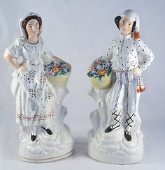 PAIR OF LARGE 19TH CENTURY ANTIQUE STAFFORDSHIRE FIGURES