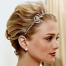 3 Complete Tips AND Tricks: Feathered Hairstyles Bangs pixie hairstyles with glasses.Wedding Hairstyles With Headband women hairstyles long balayage.Pixie Hairstyles With Headbands. Prom Hairstyles For Short Hair, Unique Wedding Hairstyles, Short Hair Updo, Short Wedding Hair, Pixie Hairstyles, Headband Hairstyles, Bridal Hairstyles, Wedding Updo, Pixie Haircuts