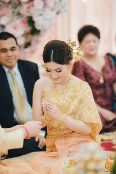 Traditional Wedding, Traditional Outfits, Khmer Wedding, Wedding Outfits, Cambodia, Costumes, Lady, Dresses, Gowns