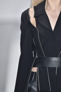 Deconstructed jacket with zipper trim; close up fashion details // Gloria Coelho Spring 2016