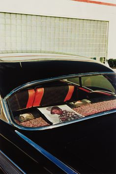"bildwerk: ""William Eggleston Untitled, 1971-1974 Dye transfer print from Dust Bells, Volume II, printed 2004. 45.4 x 30.5 cm """