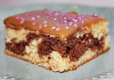Kirsin keittiö: Tiikeripiirakka Omar-kuorrutteella Baking Recipes, Cake Recipes, Finnish Recipes, Sweet Pastries, Cake Bars, Sweet Pie, Recipes From Heaven, Yummy Cakes, No Bake Cake