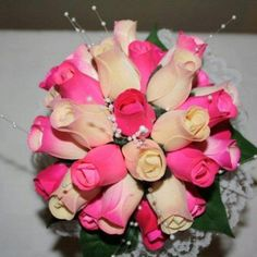 Pink and white wooden rose bouquet Wooden Flowers, Rose Bouquet, Pretty Flowers, Big Day, Plants, Pink, Bouquet Of Roses, Beautiful Flowers, Plant