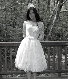 vintage 50's illusion lace bow tea length wedding dress $285....