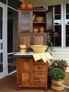 Kitchen Cousins, New Kitchen, Vintage Kitchen, Kitchen Things, Rustic Kitchen, Kitchen Ideas, Furniture Dolly, Vintage Furniture, Vintage Dressers