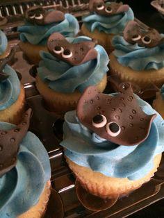 Boy& little league baseball cupcakes. Sea Cupcakes, Animal Cupcakes, Birthday Celebration, Birthday Parties, Stingray Fish, Baseball Cupcakes, Shark Cake, Ocean Party, Fondant Cupcake Toppers